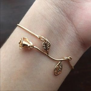 Jewelry - 💕2 for $20💕Gold Rose Bracelet